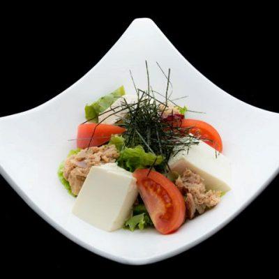 渋谷の居酒屋「隠れ野渋谷」でサラダでバランスの良い食事に!